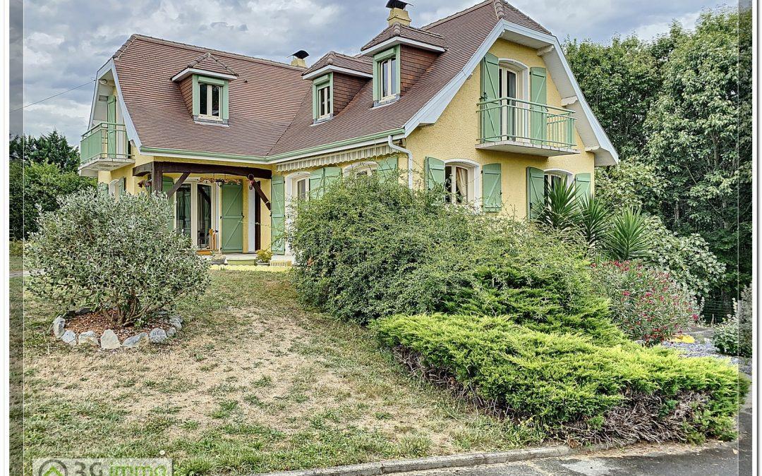 Secteur Mazerolles, Belle Traditionnelle 4 chambres + bureau et sous-sol total.